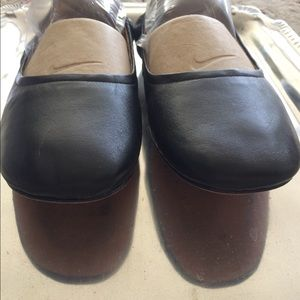 Marc Fisher Black Ballet Flat 9M Leather Sole
